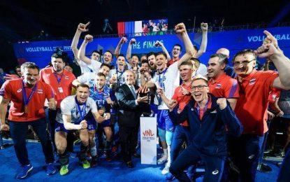 Лучшая команда страны. Волейболисты – снова первые